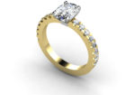 OVAL DIAMOND WITH SHOULDER DETAIL